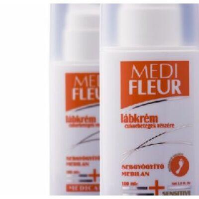 Elősegíti a száraz, repedezett bőr szakszerű ápolását, megelőzve nehezen gyógyuló, gyakran fekélyes sebek kialakulását.