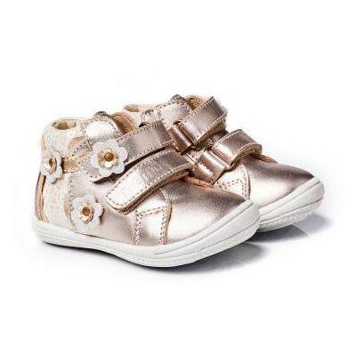 MEMO babacipő BELLA, arany színű. 19-21-es méretekben kapható, egy tépőzáras; puha, rugalmas talpú zárt cipő a legkisebbeknek ahidegebb, esősebb napokra.