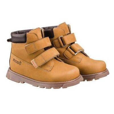 A MEMO gyermekcipők egyik legsportosabb, zárt modellje a POLO. Elérhető 22-31-as méretekben.